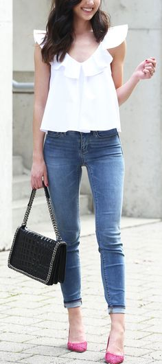 white ruffle top and the world s most flattering skinny jeans e065bd625f8c