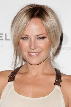 Malin Akermans blonde, wavy hairstyle - Click image to find more Hair & Beauty Pinterest pins