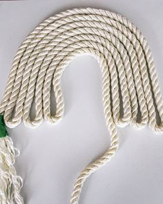 easy DIY- how ot make a rainbow wall hanging out of rope. This fiber art is the … easy DIY- how ot make a rainbow wall hanging out of rope. This fiber art is the perfect statement art in a… Continue Reading → Diy Home Crafts, Diy Crafts Videos, Yarn Crafts, Macrame Projects, Craft Projects, Do It Yourself Inspiration, Macrame Design, Rainbow Wall, Macrame Knots