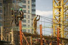 ADI | EL MERCADO INMOBILIARIO EN LA CABA  El mercado inmobiliario en la CABA analizado a partir del volumen de encomiendas de nuevos desarrollos registradas en el CPAU para obras residenciales de mas de 1000 m2.  Más info: http://ly.cpau.org/2oEoJKo  #NoticiasCPAU #MercadoInmobiliario #RecomendadoARQ #ÁreaDeDesarrolloInmobiliario