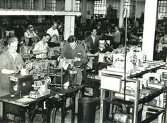 The Clydebank Singer factory. Workers can be seen manufacturing sewing machines  prior to 1964 modernisation. (Courtesy of West Dunbartonshire Council)