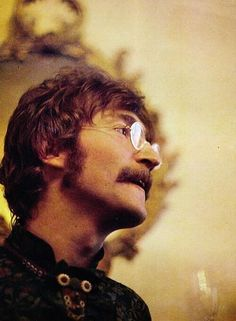 History In Pictures ‏@History In Pics   John Lennon by Linda McCartney, 1968