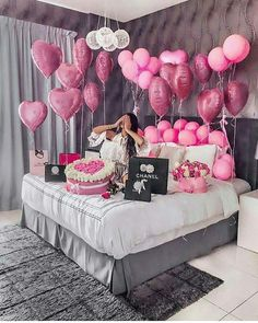 An informal guide to the most beautiful Valentine& Day of all time - Meine Geburtstagsparty - Birthday Goals, 18th Birthday Party, Diy Birthday, Birthday Surprise Ideas, 25th Birthday Ideas For Her, 18th Birthday Decor, Birthday Photoshoot Ideas, 18th Birthday Gifts For Girls, Birthday Balloon Surprise