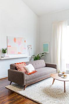 wohnzimmer ideen für schwarzes sofa als herzstück, Wohnzimmer dekoo