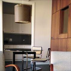 Tavolo a croce con sedie in in paglia di Vienna Bauhaus, Vienna, Lighting, Home Decor, Decoration Home, Room Decor, Lights, Home Interior Design, Lightning