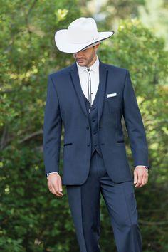 Looks good on gentlemen & cowboys alike! Cowboy Tuxedo, Cowboy Groom, Cowboy Suit, Cowboy Wedding Attire, Tuxedo Wedding, Wedding Suits, Cowboy Weddings, Father Of The Bride Outfit, Bride Suit