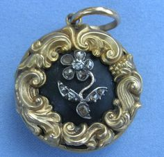 Gothic Revival Meets Rococo Revival in this Stunning Locket, 1834 - See more at: http://artofmourning.com/#sthash.3EKLvFqA.dpuf