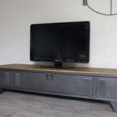 un meuble tv style industriel