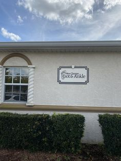 New Tampa Foot & Ankle has foot doctors that specialize in foot, ankle and heel pain treatments in Wesley Chapel, FL 33544 and Tampa, FL 33614 area. Wesley Chapel, Ankle, Outdoor Decor, Home Decor, Homemade Home Decor, Wall Plug, Interior Design, Home Interiors, Decoration Home