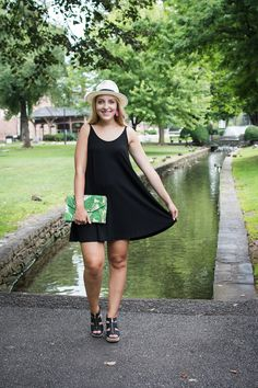 Here I paired my Stella & Dot palm print clutch with my Lou & Grey Bare Swing Dress for an easy outfit that's still put together. Love the palm print against an all black look!