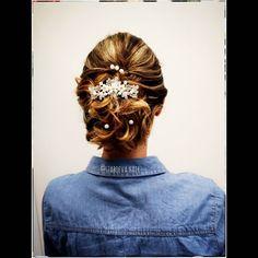 """39 kedvelés, 1 hozzászólás – Szabó Éva Fodrász (@szaboeva.hair) Instagram-hozzászólása: """"💖Elegáns menyasszonyi frizura💖 👰❤️🤵Sok Boldogságot! 🤵❤️👰 _________________________________ . . . .…"""" Instagram, Fashion, Moda, Fashion Styles, Fashion Illustrations"""