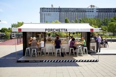 In collaboration with Muvbox, a company that specializes in shipping container conversions, product designers Guillaume Noiseux and Guillaume Sasseville opened Porchetta Box, a temporary restaurant in Montreal during the summer.