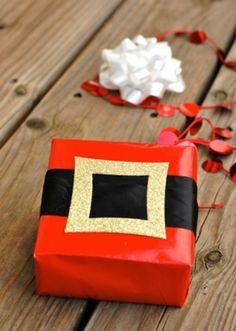 Weihnachtsgeschenke verpacken geschenk verpacken geschenke schön verpacken santa schnalle