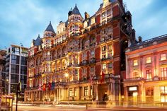 A stay at Mandarin Oriental Hyde Park places you in the heart of London, minutes from Harrods and close to Imperial College London. This 5-star hotel is close to Royal Albert Hall and Buckingham Palace. See all the best hotels in London at http://www.lowestroomrates.com/hotels/london.html #bestlondonhotels