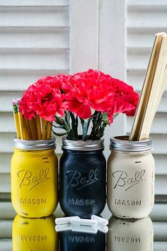 Back-To-School Mason Jars By Mason Jar Crafts LoveRepurpose some old mason jars into a personalized desk set. Fill with pencils, flowers, or emergency work chocolate. #refinery29 http://www.refinery29.com/back-to-school-diy#slide-6