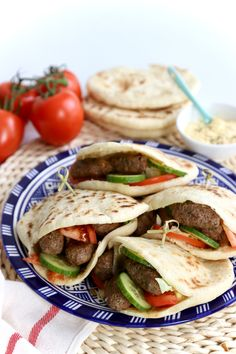 Pizza Vans, Pita Wrap, Middle Eastern Recipes, Lunches, Tacos, Cooking Recipes, Yummy Food, Dinner, Ethnic Recipes