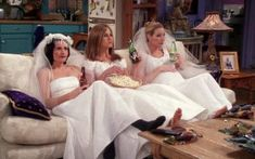 """Courteney Cox as Monica Geller, Jennifer Aniston as Rachel Green, and Lisa Kudrow as Phoebe Buffay in season episode 20 of Friends, """"The One With All the Wedding Dresses. Tv: Friends, Friends Tv Show, Friends 1994, Friends Trivia, Serie Friends, Friends Cast, Friends Moments, Friends Forever, Friends Phoebe"""