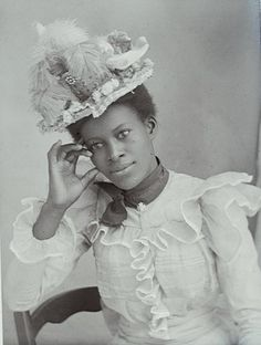 """dbvictoria: """"VICTORIAN WOMEN OF COLOR """"These are selections of wonderful and very intact photographs taken during the Victorian Era, mainly from the years 1860 to Photos of Women of Color from. Victorian Women, Victorian Era, Victorian Fashion, Women In History, Black History, Modern History, Ancient History, Belle Epoque, Old Photos"""