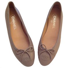 CHANEL Grey Leather Ballet flats Chanel Shoes, Leather Ballet Flats, Luxury  Consignment, Grey 53d3085668b