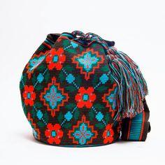 Wayuu Mochila Boho Bags with Crochet Patterns Free Crochet Bag, Crochet Purses, Knit Crochet, Crotchet Bags, Knitted Bags, Tapestry Bag, Tapestry Crochet, Mochila Crochet, Yarn Bag
