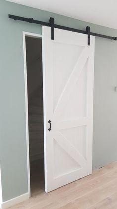 Loftdeur Contra-Z dekkend wit Home Bedroom, Home Living Room, Loft Door, Pole Barn House Plans, Dutch House, Safe Room, Metal Building Homes, Love Home, Interior Exterior