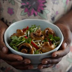 Muscle Building Mushroom and Beef Stir Fry Beef Stir Fry, Stir Fry Recipes, Kung Pao Chicken, Fries, Muscle Building, Stuffed Mushrooms, Dinner Recipes, Vegetables, Ethnic Recipes