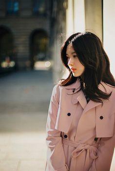 I'm a fan of yoon sun young i swear she's so pretty  💟💋❤❤💙💜💛💚💖💞💝💘💗💕💓