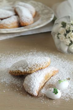 Cretan Patoudo half-moon pies (Translation on the side bar) Greek Sweets, Greek Desserts, Greek Recipes, Wine Recipes, Greek Menu, Eat Greek, Savory Pastry, Middle Eastern Recipes, Foods To Eat