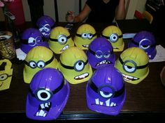 Despicable Me Room // Minion hats! Despicable me party Minion Party Theme, Despicable Me Party, Minion Birthday, 3rd Birthday Parties, Birthday Fun, Birthday Ideas, Minion Hats, Party Time, Movie Party