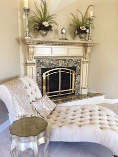 Tufted Chaise