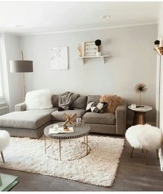 32 Perfect Small Living Room Ideas For Apartment - ✨ Room decor ✨ - Apartment Decor Small Apartment Living, Small Living Rooms, Home Living Room, Modern Living, Minimalist Living, Modern Room, Minimalist Furniture, Living Room Decor For Apartments, Lamps In Living Room