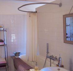 Baignoire sabot et barre de rideau de douche circulaire - Tringle a rideau arrondie ...