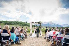 A Rocky Mountain ceremony in  Silverthorne, Colorado (image: dannafrostphotography.com)