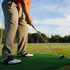 Driving range with a target field that stretches 300 yards into the distance helps golfers develop more efficient swing Golf 1, Play Golf, Golf Books, Golf Practice, Golf Instruction, Golf Channel, Workout Warm Up, Golf Training, Golf Lessons