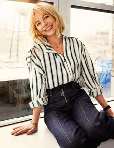 Michelle Williams - Photoshoot for Elle France October Michelle Williams Style, Outfits, Clothes and Latest Photos. Short Hair With Bangs, Short Hair Styles, Michelle Williams Style, French Bob, Winter Mode, Blonde Bobs, Hair 2018, Hair Dos, Bob Hairstyles