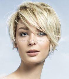 rövid+frizurák+-+rövid+frizura+szőke+hajból