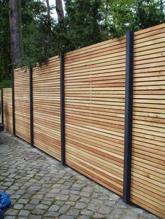 17 Impressive English Garden Fencing Ideas 3 Effortless Cool Tricks How To Build A Bamboo Fence fence photography secret gardens Sliding Pool Fence iron fence balcony Front Garden Fence Backyard Privacy, Backyard Fences, Garden Fencing, Backyard Landscaping, Outdoor Fencing, Landscaping Ideas, Privacy Fence Landscaping, Porch Garden, Privacy Fence Designs
