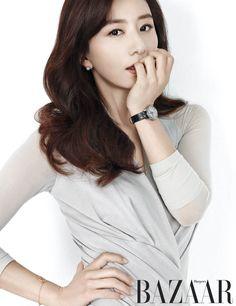 Kim Hee Ae - Harper's Bazaar Magazine October Issue Korean Actresses, Actors & Actresses, Korean Beauty, Asian Beauty, Kim Tae Hee, Yoo Ah In, Kim Ji Won, Asian Celebrities, Best Actor