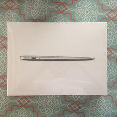 """New Apple MacBook Air 11.6"""" MJVM2LL/A, Intel i5, 4GB RAM, 128GB SSD, Latest Mode"""