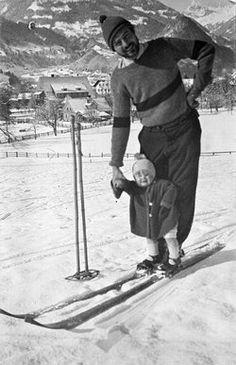 "Ernest and Jack ""Bumby"" Hemingway posing on skis in Schruns, Austria, Winter, Earnest Hemingway, Xc Ski, Vintage Ski Posters, Alpine Skiing, Nordic Skiing, Vintage Hawaii, Winter Fun, Winter Sports, Mexico Travel"