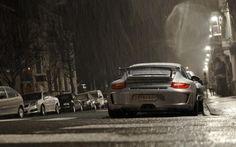 streets-rain-cars-belgium-porsche-gt3