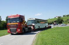 Sondertransport eines Oldtimer-Bus Tiefbett-Sattel durch Europa mit Rachbauer