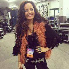 Mimi Werner  laddar upp backstage - mello 2016. Live från artisternas första repetitioner på scenen i Göteborg - Melodifestivalen | SVT.se