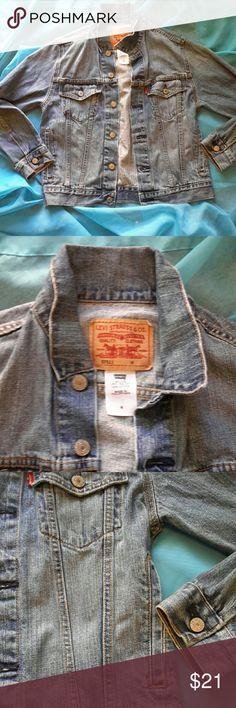 Levis jean jacket flawless  Only worn once or twice.  No damage Levi's Jackets & Coats Jean Jackets