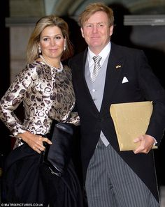 8ebb2bcddadcdf Queen Máxima glowed as she attended a New Year reception with King  Willem-Alexander in Amsterdam on Wednesday night. The Dutch royals have  just returned ...
