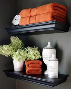 The Yellow Cape Cod: Our Fall Home~Finding Fall Home Tour With BHG -----nice shelf set up for a bathroom - could change the colors and decor to compliment the season - nice  :)