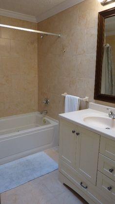 Bath Tub Next To Vanity