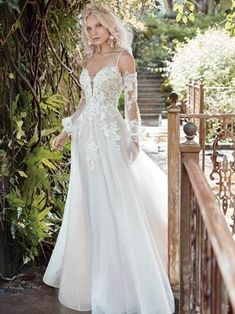 STEVIE, IVORY Gown Gallery, Maggie Sottero, Designer Gowns, Kansas City, Special Occasion, Ivory, Elegant, Wedding Dresses, Fashion