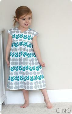 Lotta Geranium Dress sewn by Jess @craftinessisnotoptional pattern by Made By Rae #Sewing
