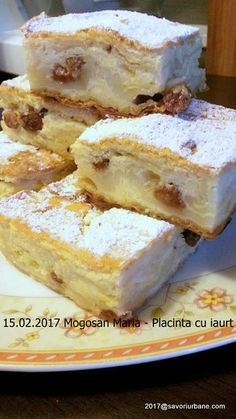 Placinta cu iaurt reteta simpla si rapida. O placinta pufoasa, vanilata si aromata, cu foi pentru placinta din comert sau facute in casa. O reteta ieftina Romanian Desserts, Romanian Food, No Bake Desserts, Easy Desserts, Dessert Recipes, Sweet Pastries, Bread And Pastries, Pastry Cake, Sweet Cakes